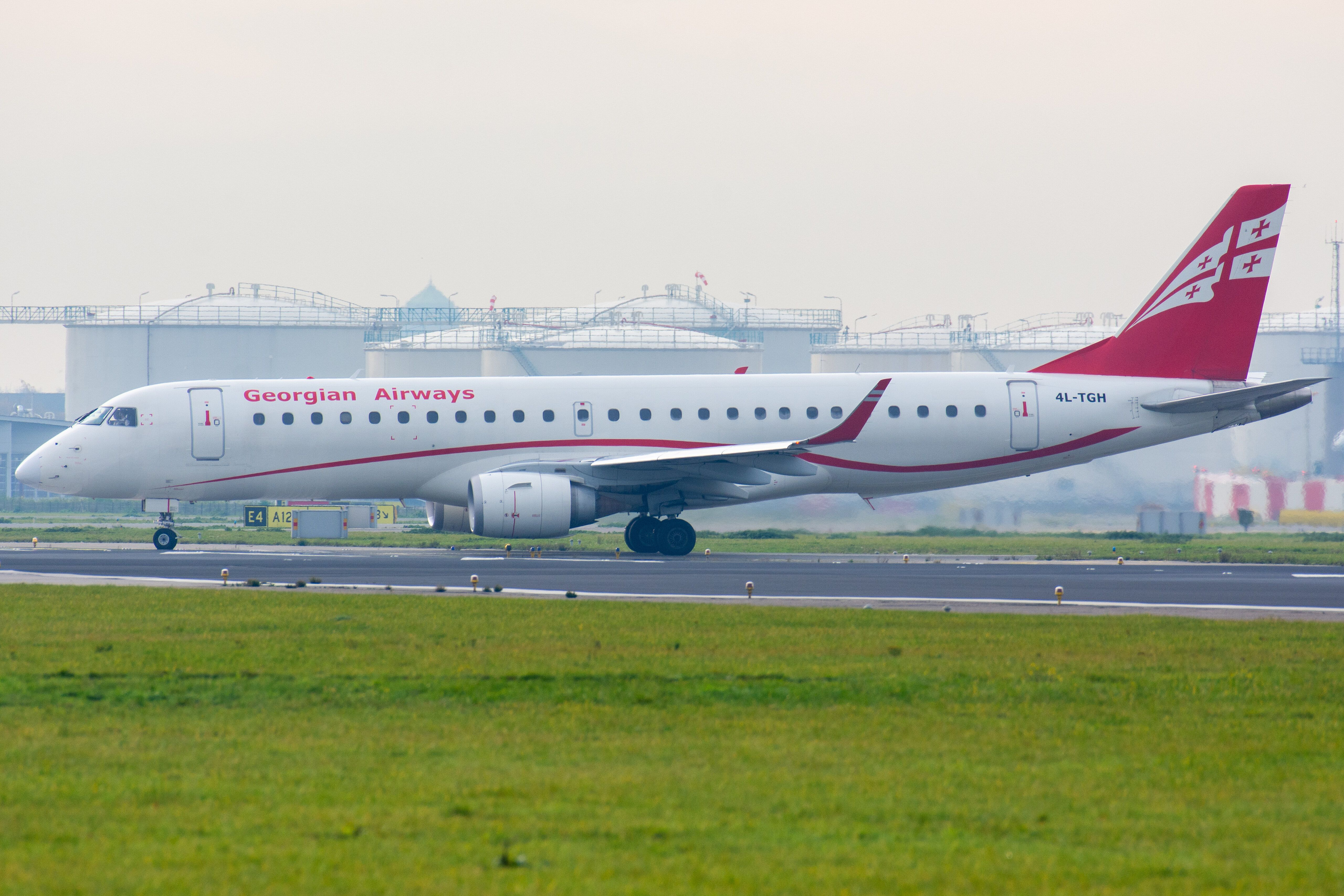 Airways ERJ190100AR 4LTGH in 2020 (With images