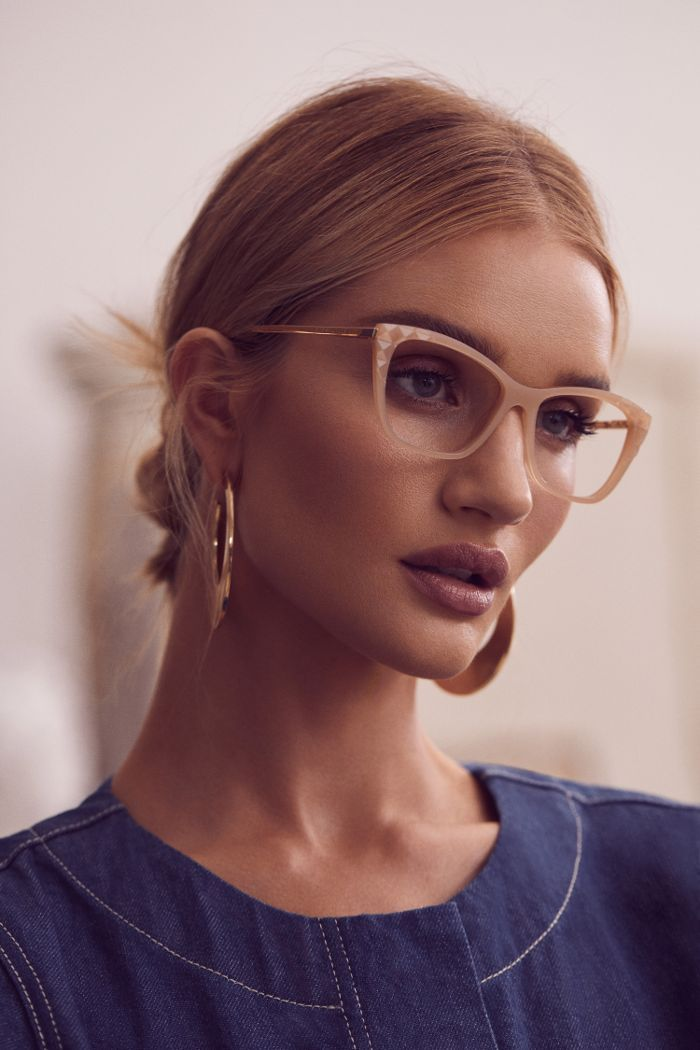 The Trend Rosie HuntingtonWhiteley Can't Stop Wearing in