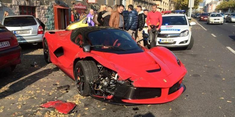 Jangankan Mobil Anda Ferrari Rp 17 Miliar Pun Bisa Gampang Kecelakaan Berita 24 Ferrari Mobil Indonesia
