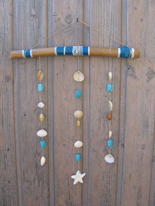 Mobile en bois flott avec dentelle coquillages perles bleues et toile blanche accrocher - Mobile en bois flotte ...