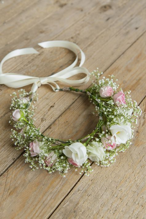 Anleitung Blumenkranze Einfach Selber Machen Blumenmadchen Kranze Haarkranz Hochzeit Blumen Haarkranze