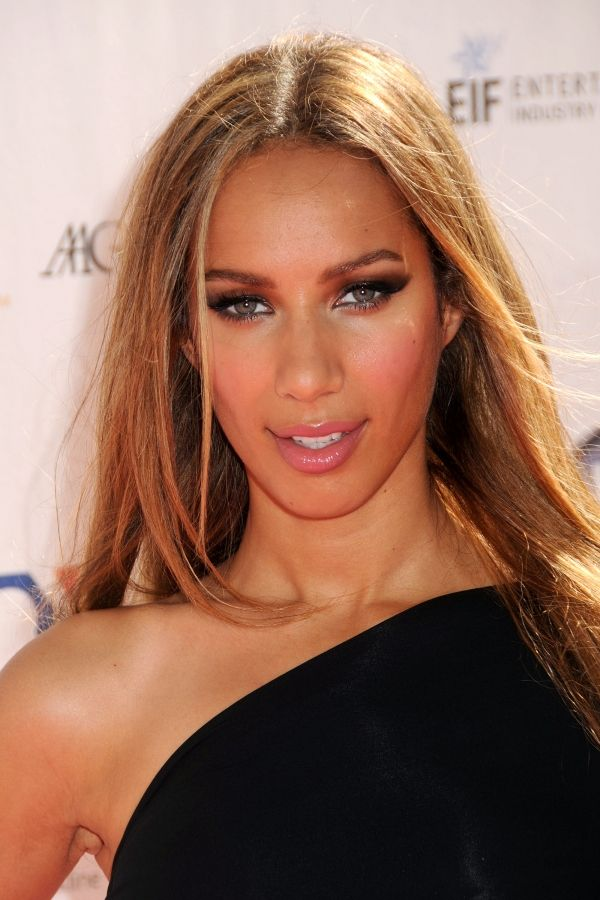 Leona Lewis Il !! #beautiful brown black queens girl with blonde hair #pinup #pin up