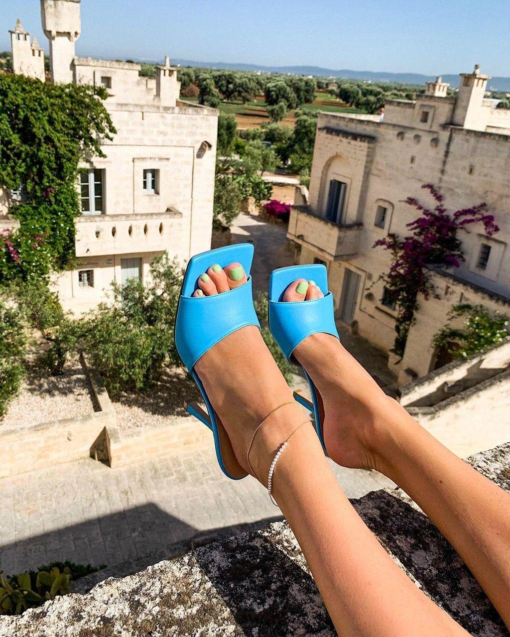 Clonados Y Pillados Bottega Veneta Y Sus Mules Más Famosas Ya Tienen Un Nuevo Clon En Topshop Topshop Estilo De Zapatos Tendencias Ropa