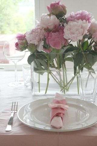 Center pieces that are different and catch my eye! Do they come in other colors? Maybe purple?