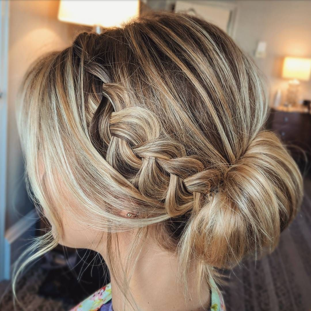 30 Creative And Unique Wedding Hairstyle Ideas: Beautiful Wedding Updos For Any Bride Looking For A Unique