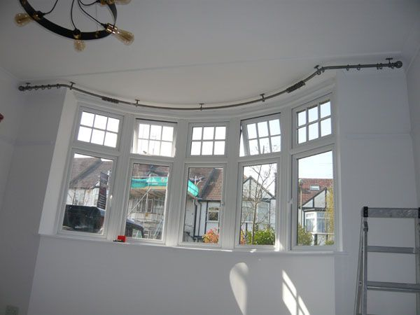 4m50 Ceiling Fixed Pole With Two Angle Bends And A Sweep Bay In 25mm Polished Steel With Ball And Colla Bay Window Curtain Poles Bay Window Curtains Bay Window