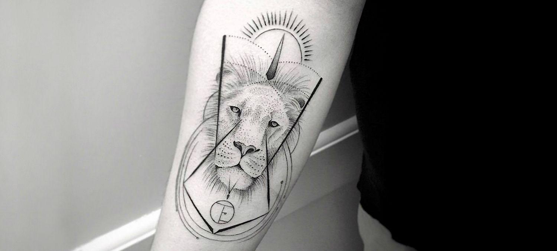 Lion Tattoo By Balasz Bercsenyi Single Needle Tattoo Lion Tattoo Tattoos For Guys