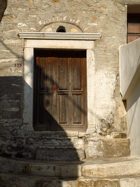 abriendo-puertas:    By Dimitrios Dalagiorgios