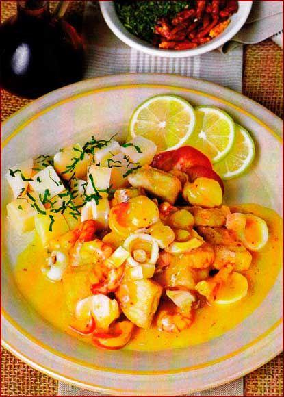Pescado A Lo Macho Para 4 A 6 Personas Peruvian Cuisine Peruvian Dishes Peruvian Recipes