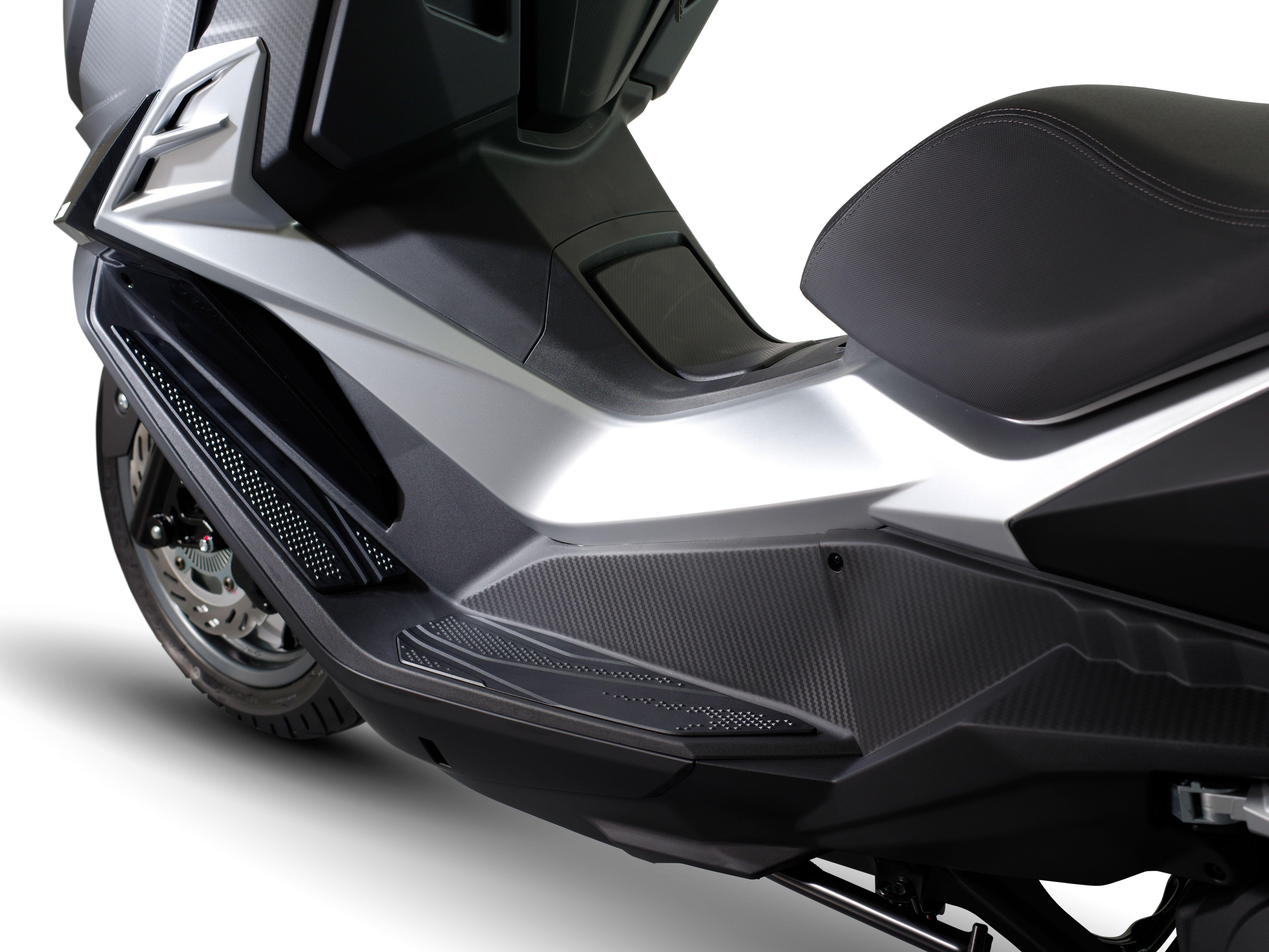 SYM CRUiSYM #sym #sanyang #cruisym #motorroller #sofaroller #scooter  #sofascooter