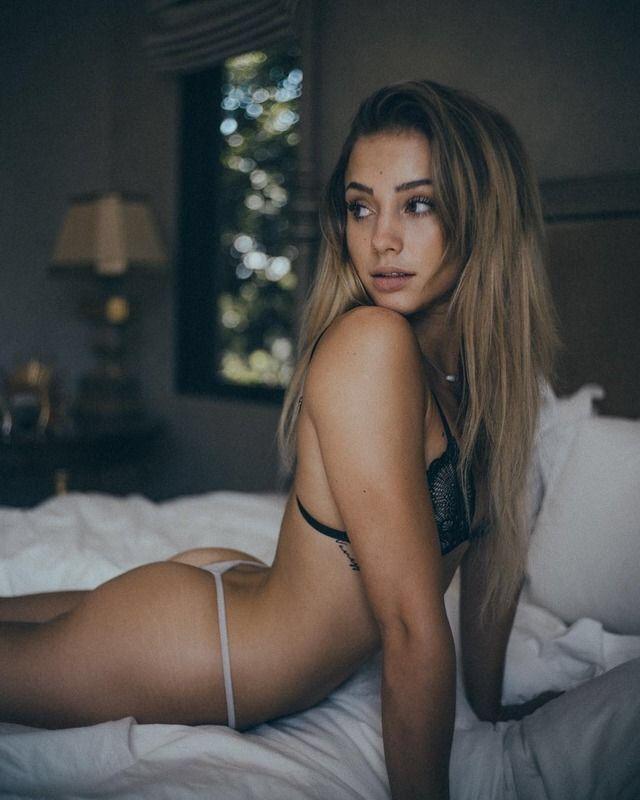 tiffani thiessen hot naked