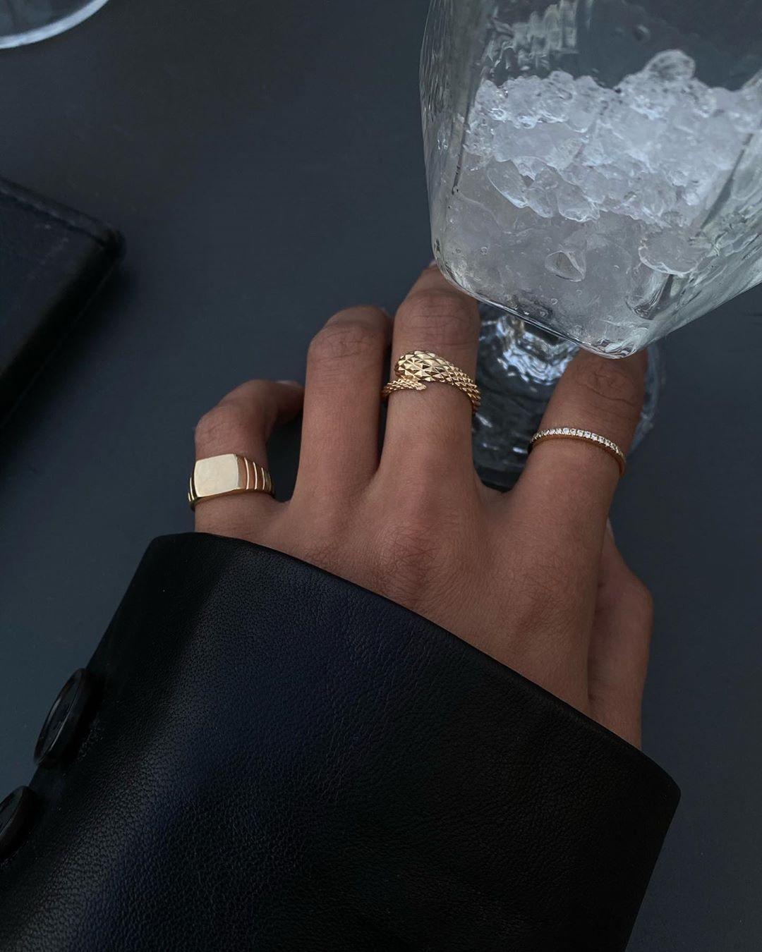 """Photo of Lauren Johnson on Instagram: """"14k gold from @mejuri ✨"""""""