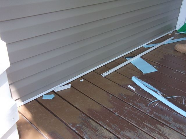 Vinyl Siding When Bottom Piece Will Sit Against The Deck R Homeimprovement Vinyl Siding Siding Home Improvement