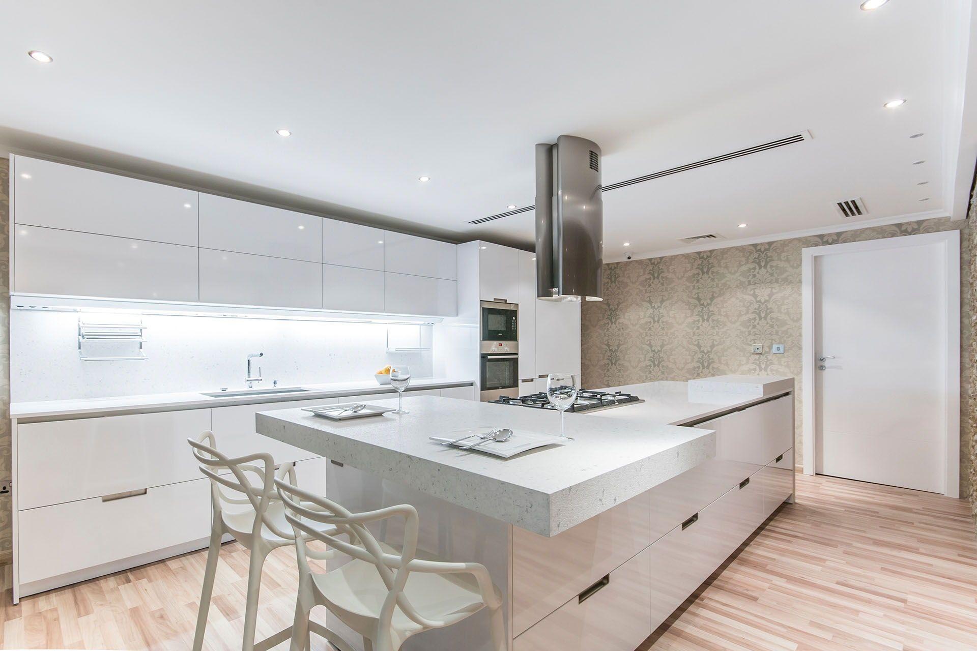 SANTOS kitchen | Una cocina amplia, abierta, elegante y luminosa en ...