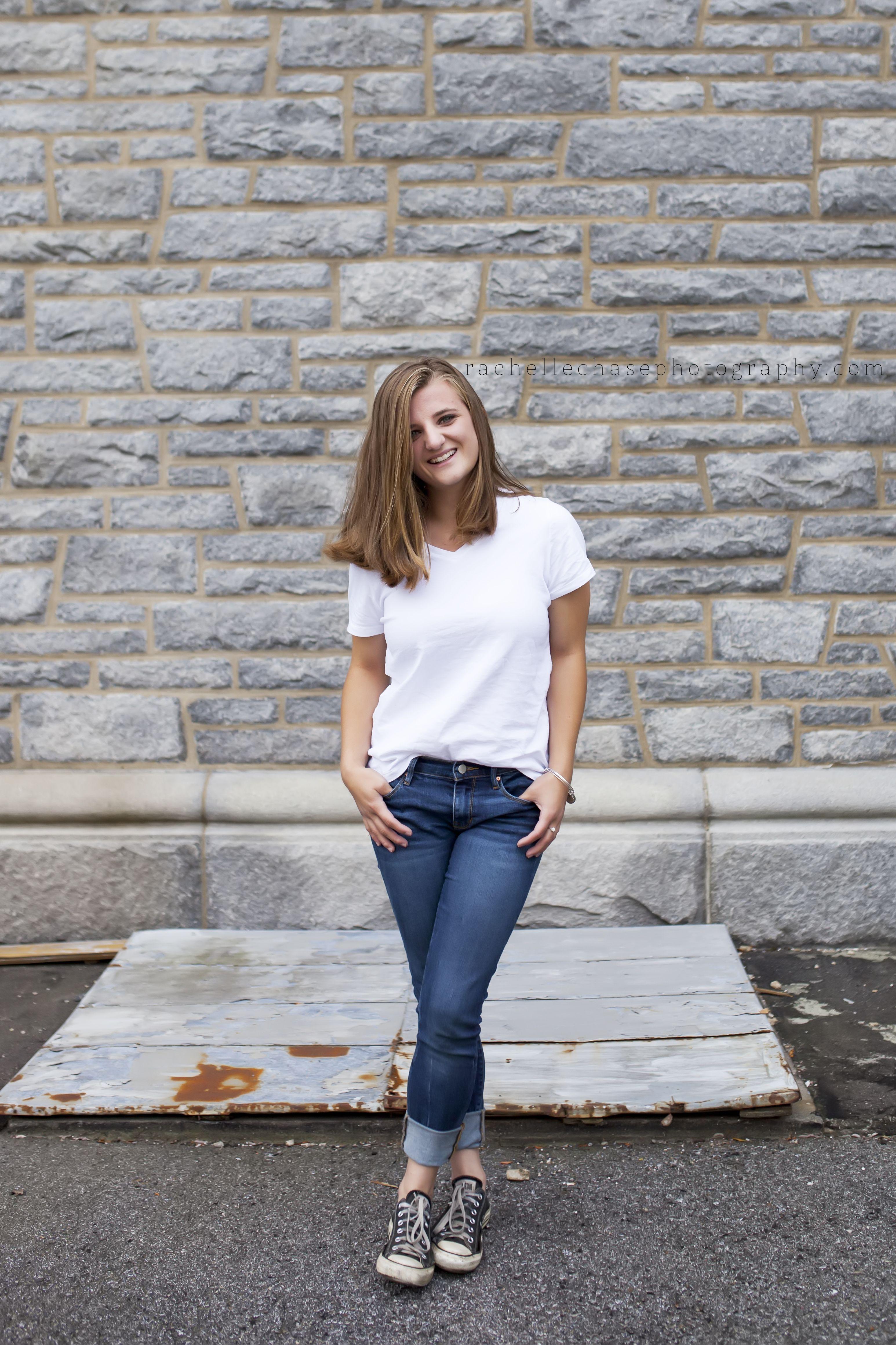 fem_jeans_posing