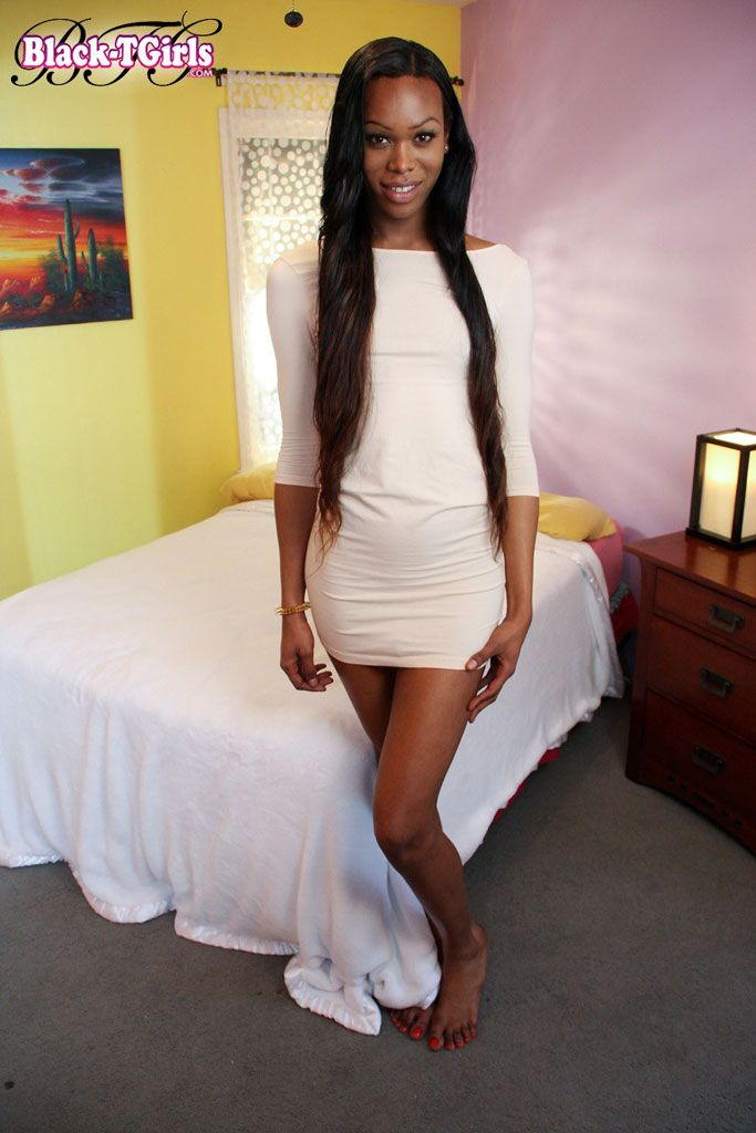 Tall And Slim Looking Black Shemale Beauty Tanner Chadsworth Has More Meat On Her Bones