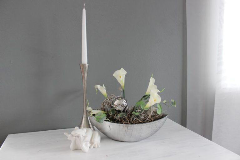 TD249 Silberfarbene Schale dekoriert mit natürlichen