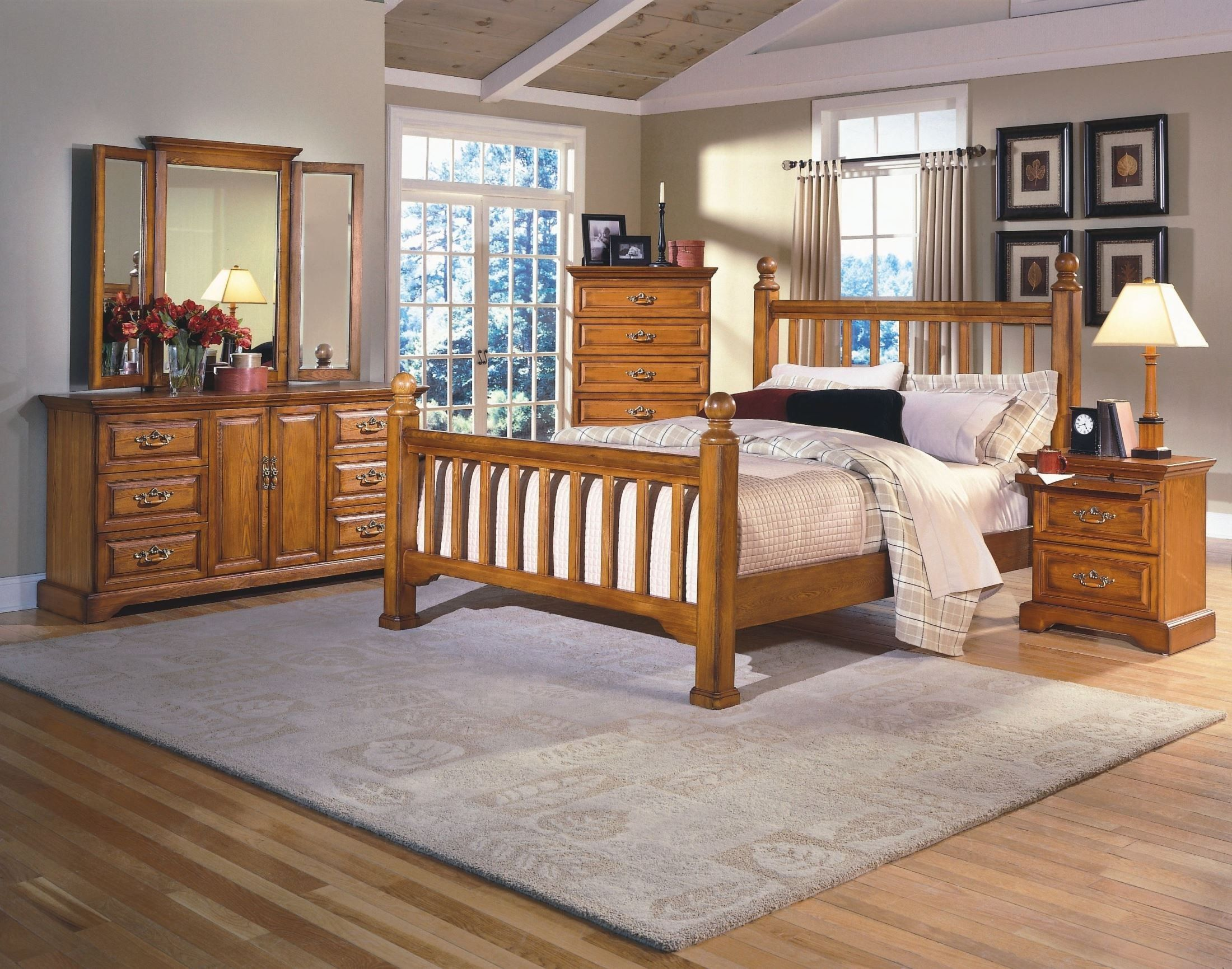 Honey Creek Caramel Poster Bedroom Set Oak bedroom