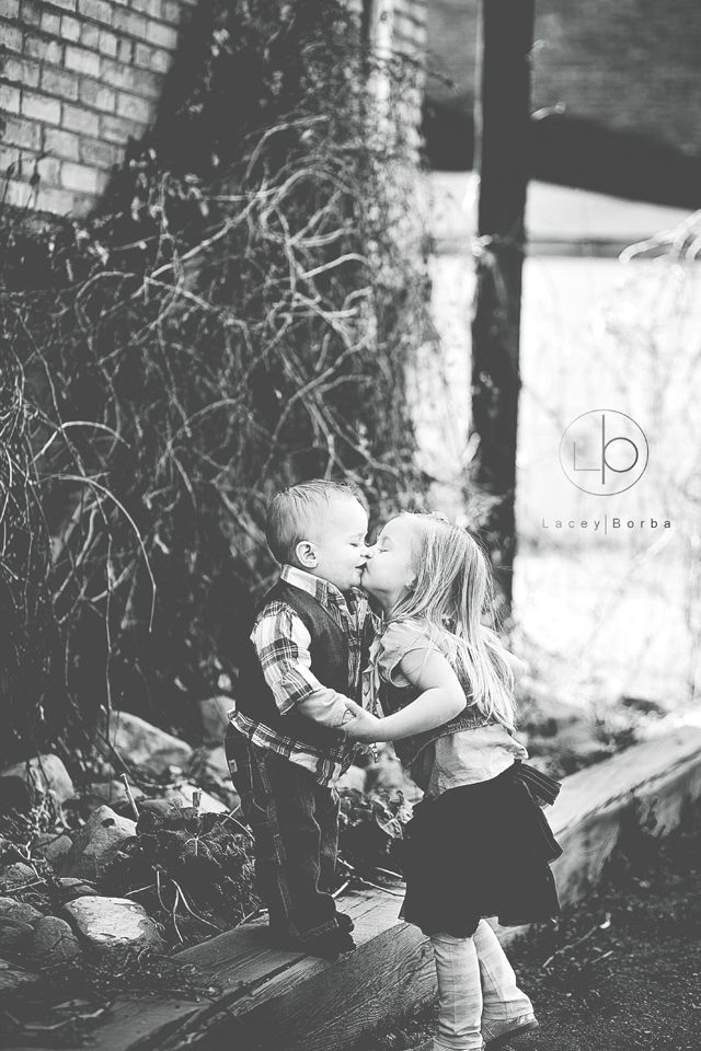 Cute Sibling Pose! Black & White Portraits