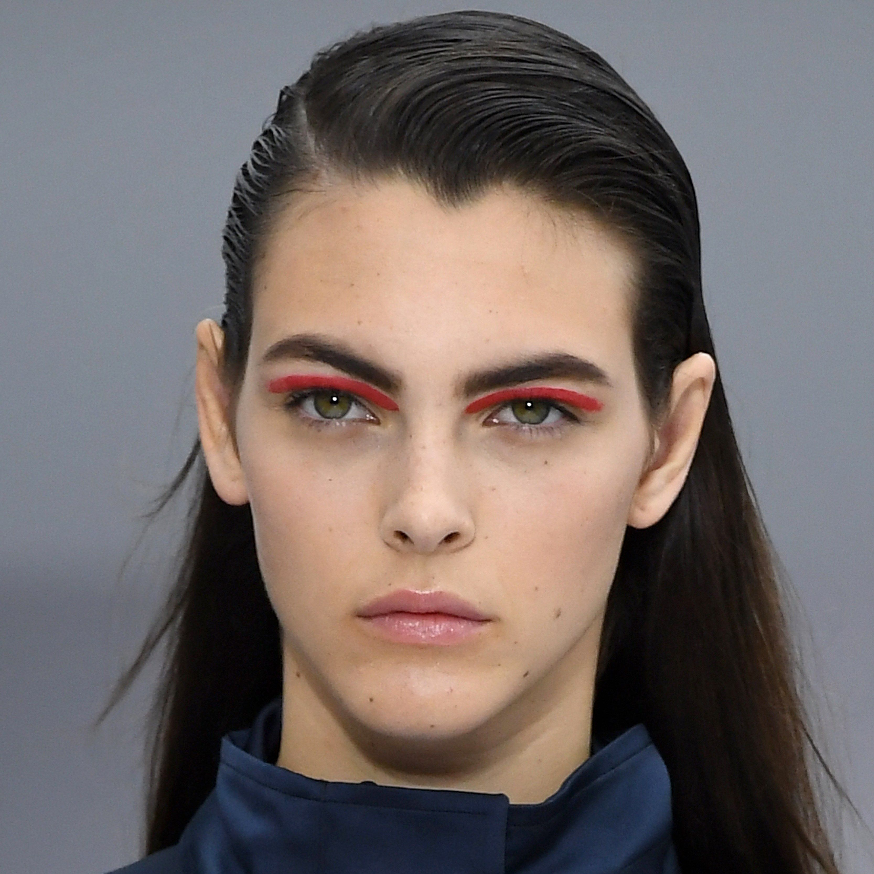 Craziest Beauty Looks From LFW FW2015-2016 photo