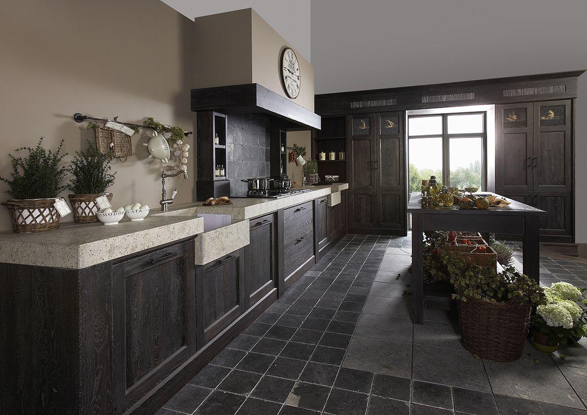 Klassieke massief houten keuken