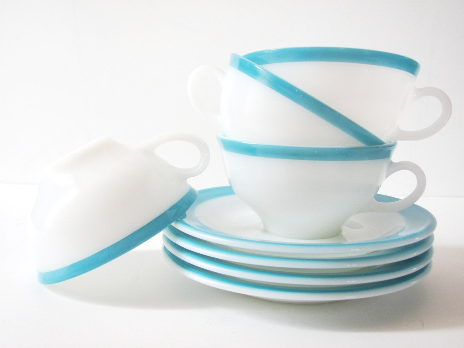 Set of 4 Vintage Pyrex Turquoise Blue and White Tea Cups and Saucers ...
