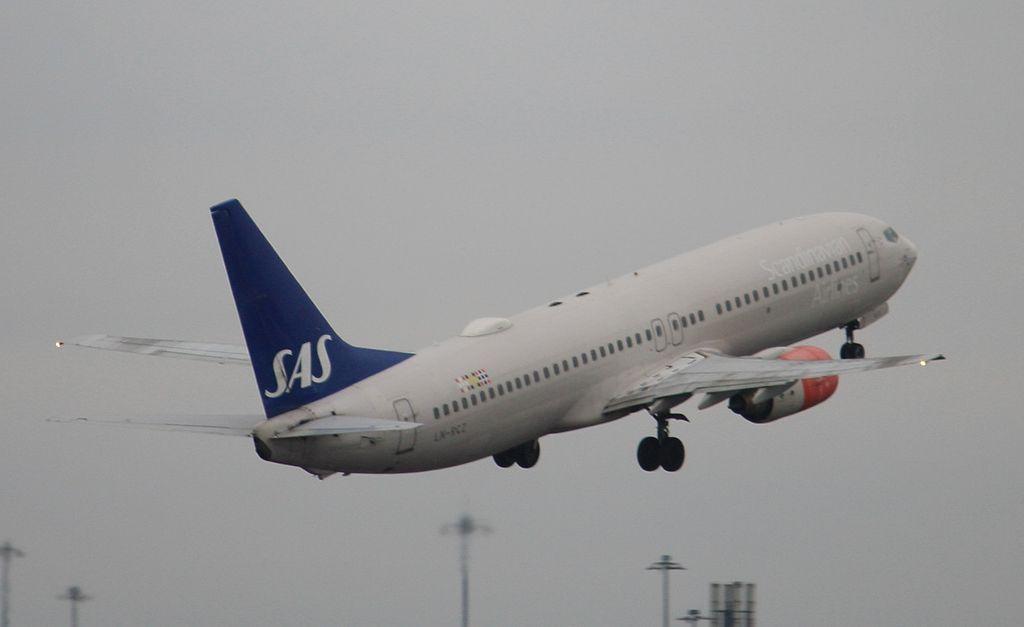 Scandinavian Airlines Sas Boeing 737 883 Ln Rcz Glitne Viking At Manchester Airport Sas Airlines Boeing 737 Fleet
