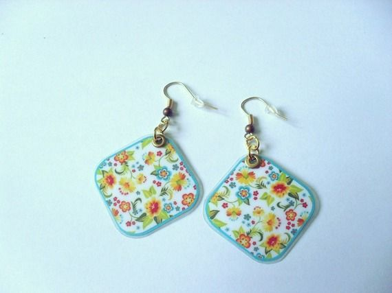 313 - Boucles d'oreilles losange - fleurs - crochet couleur doré
