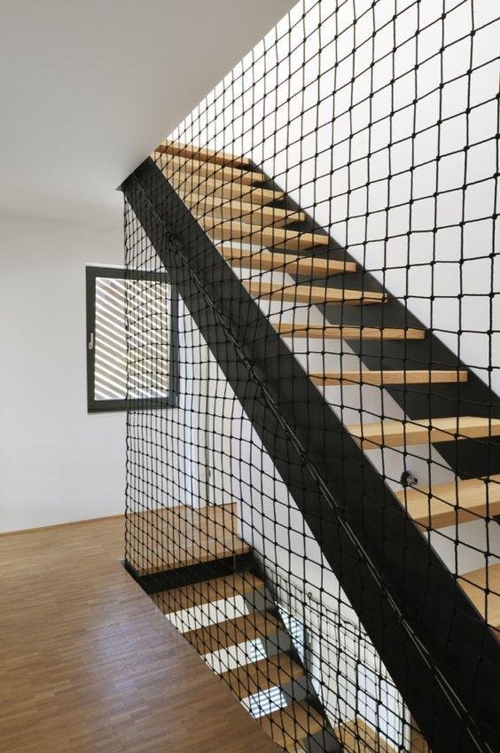Escalier droit bois et métal et garde-corps filet #stairs #wood+ ...