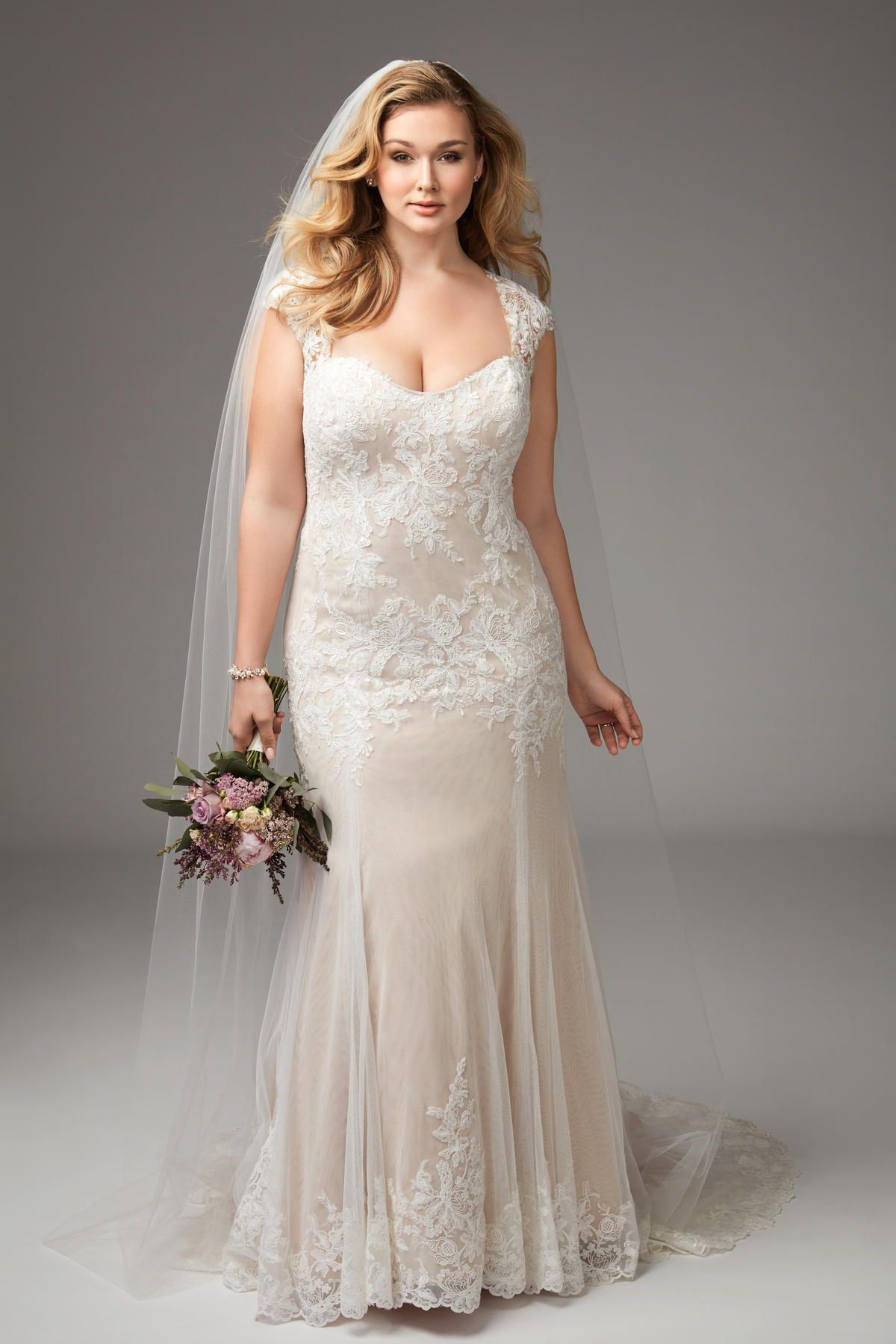 Wedding dresses for curvy brides  Julienne   Brides  Wtoo by Watters  locuras  Pinterest