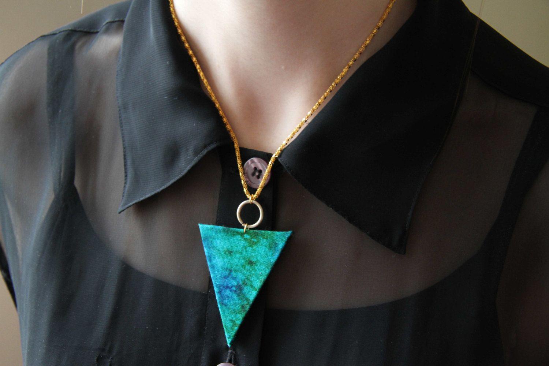https://www.etsy.com/listing/121906653/marbled-aquamarine-triangle-necklace