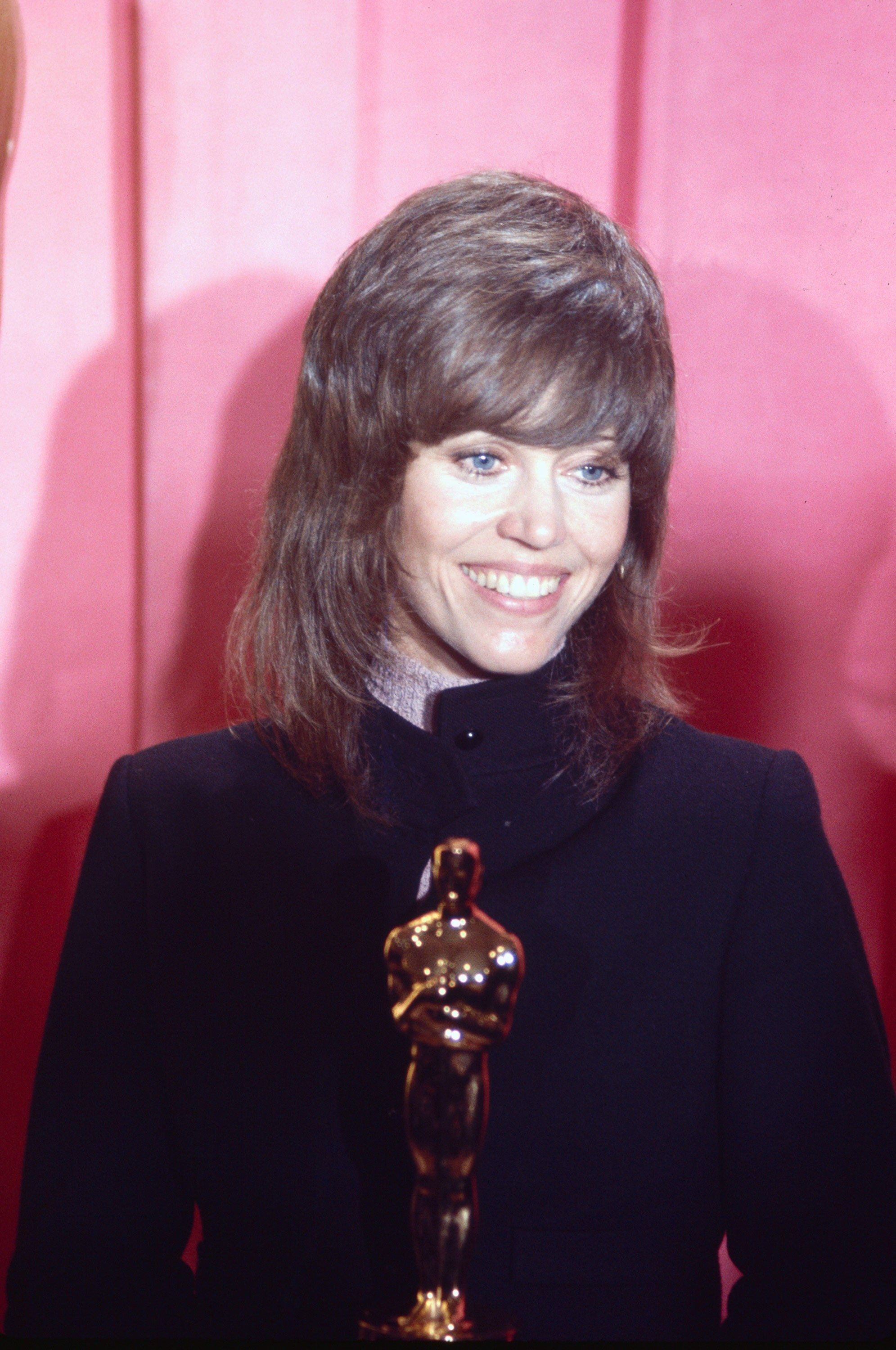 What Jane Fonda's 1972 Oscars Suit Can Teach Us About #MeToo at ...