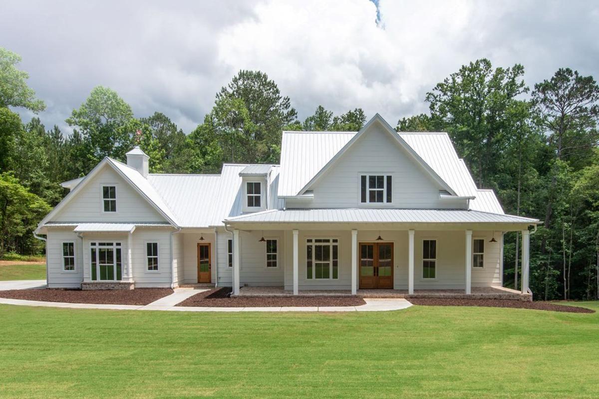 House Plan 8594 00004 Modern Farmhouse Plan 2 993 Square Feet 4 Bedrooms 3 5 Bathrooms Modern Farmhouse Plans Farmhouse Plans Country House Plan