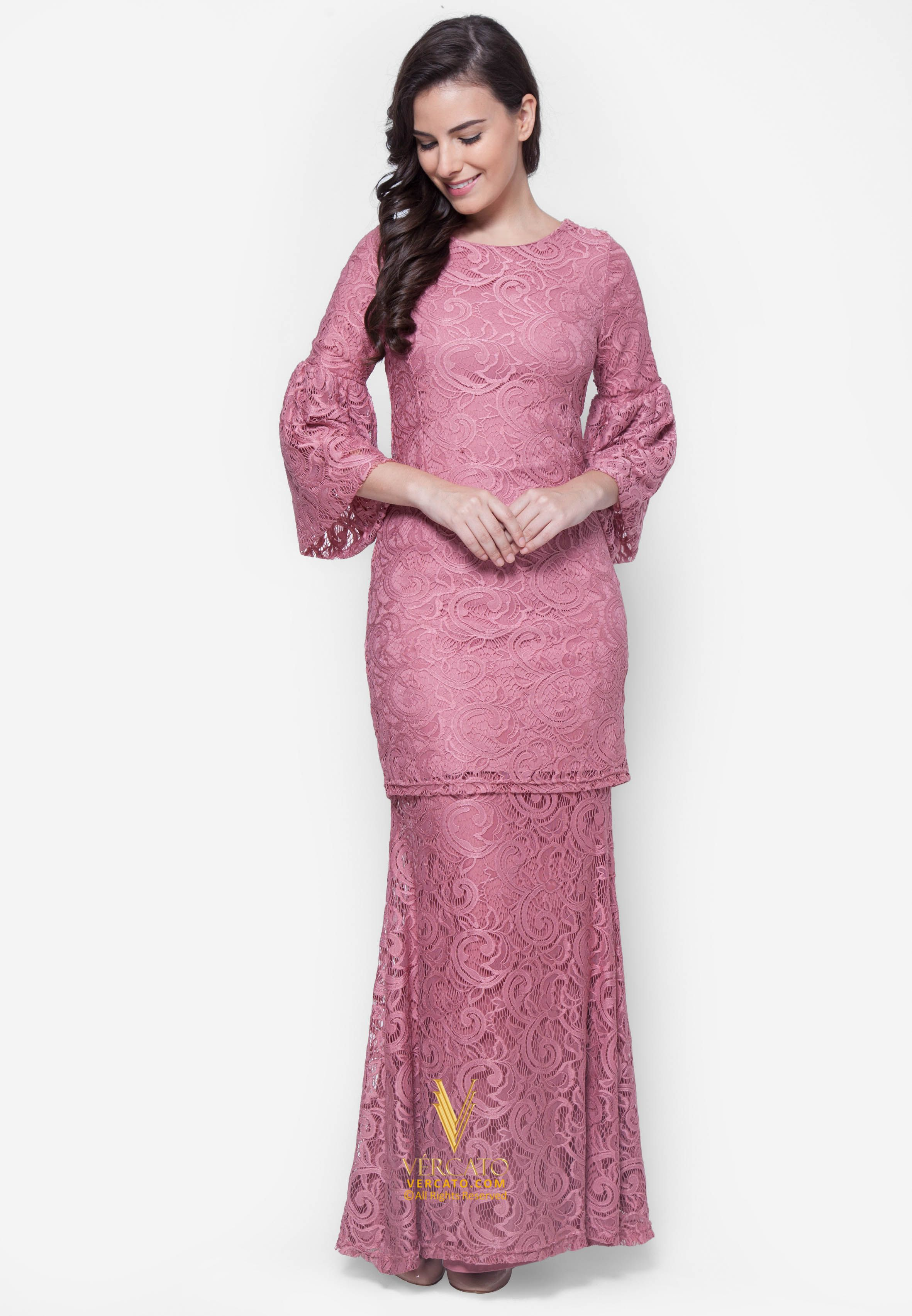 Baju Kurung Moden Lace Vercato Nora In Dusty Pink Buy Simple And Elegance Flare Sleeve Lace Baju Kur Model Pakaian Muslim Pakaian Wanita Model Pakaian Hijab