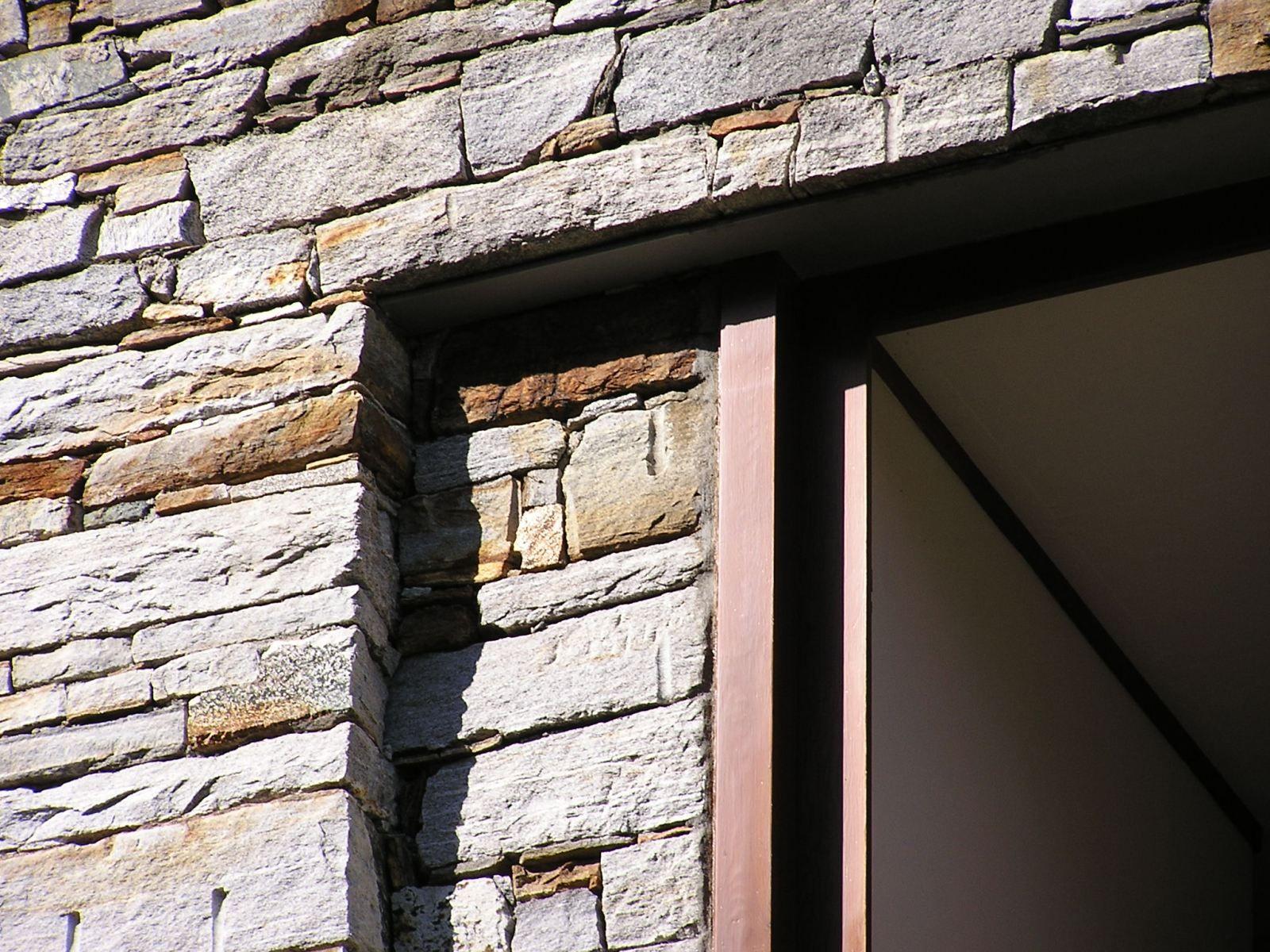 Livio vacchini casa rezzonico s ko architetti for Case realizzate da architetti