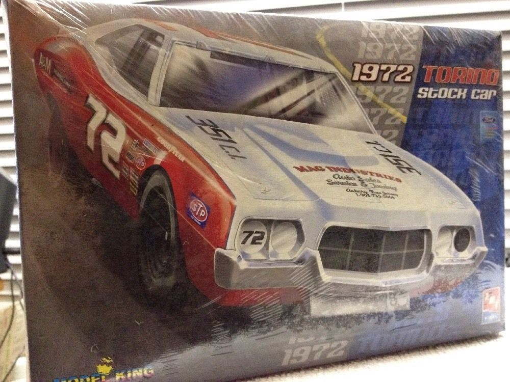 Amt Model King 1972 Gran Torino Stock Car 72 1 25th Model 2007