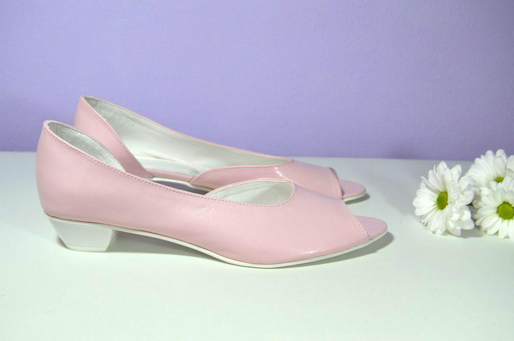 Růžové svatební boty na nízkém podpatku. K-styl. svatební boty ... 2af17121f7