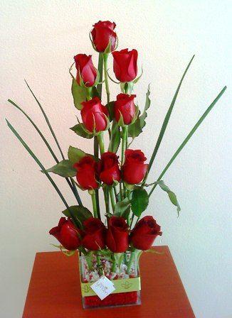 El encanto de las rosas sencillo y lindo arreglos - Arreglo de flores naturales ...