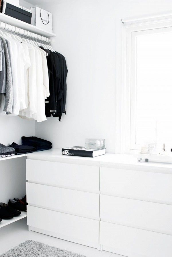 Minimal Wardrobe Ideas For Women