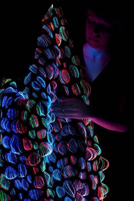 Liquid light, optical fiber textiles Malin Bobeck, Textile Designer
