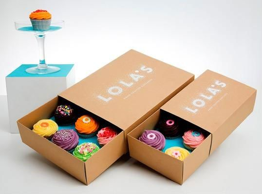 A Cute Tray Box That Maximizes Branding And Holds Many Cupcakes Cupcakebox Kraftboxes Cupcake Packaging Bakery Packaging Cake Packaging