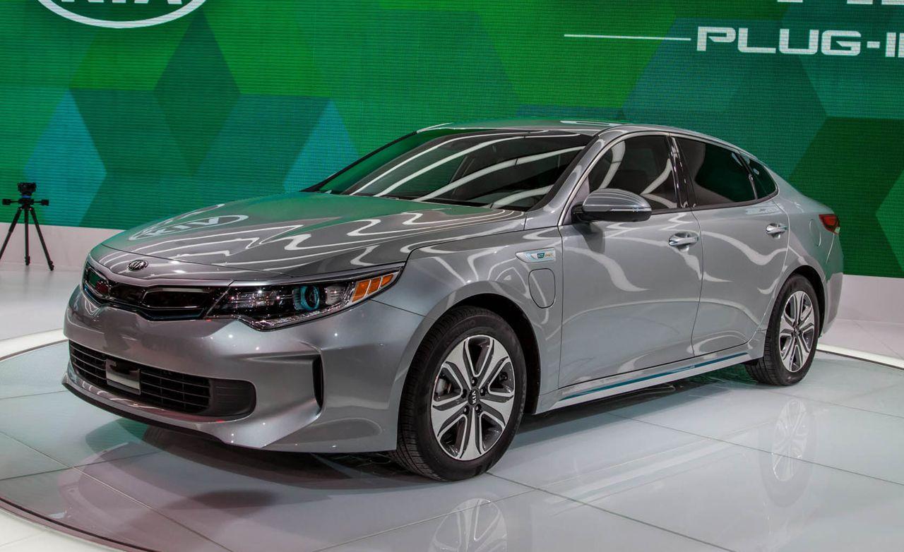 2017 Kia Optima Hybrid Plug In Hybrid Greening Kia S Mid Size Sedan Kia Optima Kia Mid Size Sedan