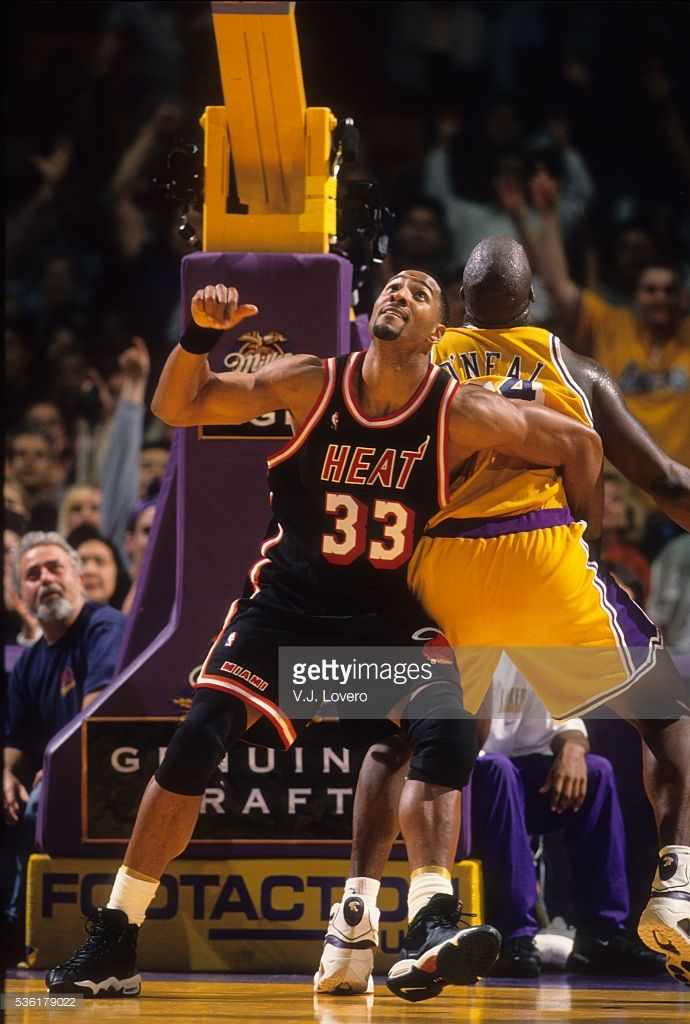 Miami Heat Alonzo Mourning In Action Vs Los Angeles Lakers Shaquille Shaquille O Neal Miami Heat Los Angeles Lakers