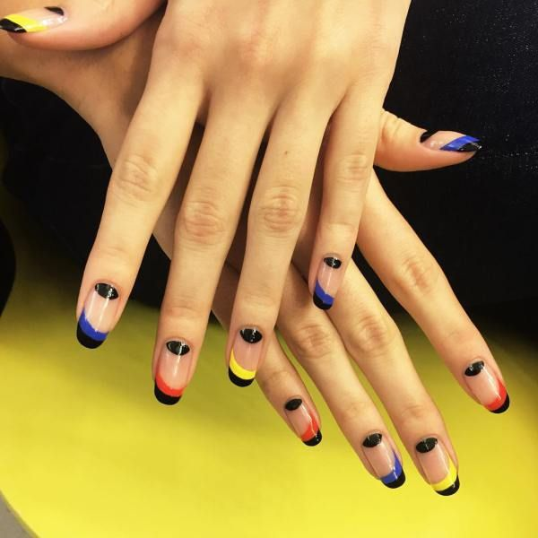 50 Negative Space Nail Ideas To Copy Right Now Negative Space And