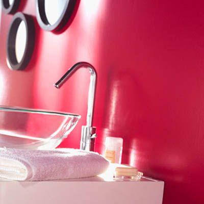 Du rose framboise dans la salle de bain salle de bain for Salle bain rose
