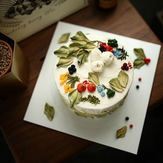 petit flower cake no.5 #플라워케이크 #버터크림플라워 #버터크림케이크 #플라워케익 #플라워케이크클래스 #케이크수업 #케이크클래스 #케익클래스 #베이킹 #윌튼 #cakeclass #piping #koreanflowercake #koreanbuttercream #flowercake #buttercream #buttercreamflowercake #weddingcake #specialcake #wilton #wiltoncake #韓式唧花 #韓式裱花 #生日蛋糕 #甜品