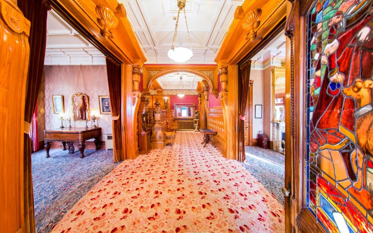 Carson Mansion 1886 in Eureka, CA | The Ingomar Club | House ...