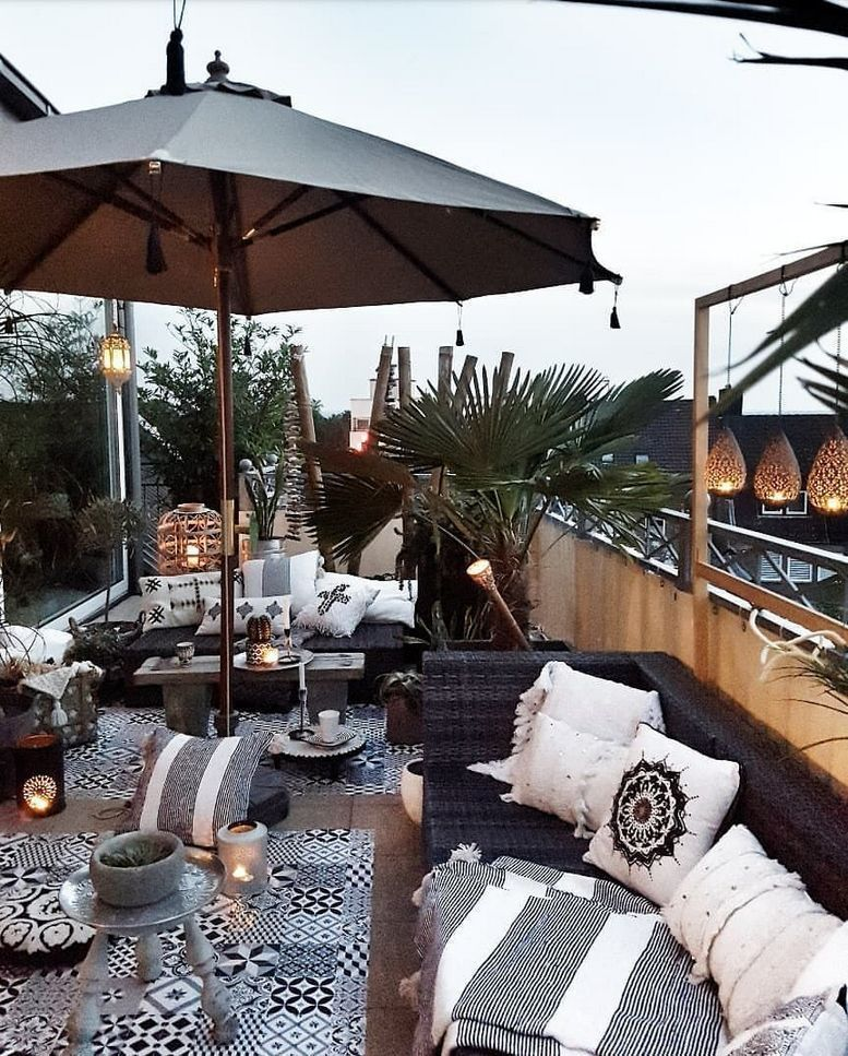 Besides Rain Runoff Your Roof Garden May Also Serve As An Insulator It S Possible For You To Create A Garden Rooftop Terrace Design Outdoor Rooms Patio Decor