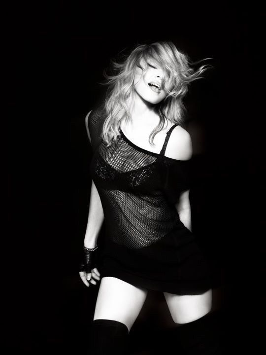 New leaked photo of Madonna from MDNA