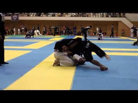 10th Planet Jiu-Jitsu - Purple Belt Defeats Black Belt via Carni @ NAGA Chicago - YouTube